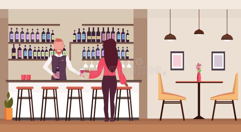 Position de femme au barman potable d'alcool de compteur de barre jugeant la bouteille de vin et le client de verre de portion de illustration libre de droits