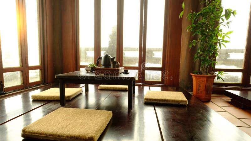 Position japonaise traditionnelle de pièce de thé en collines de Bana, Danang Vietnam photographie stock libre de droits