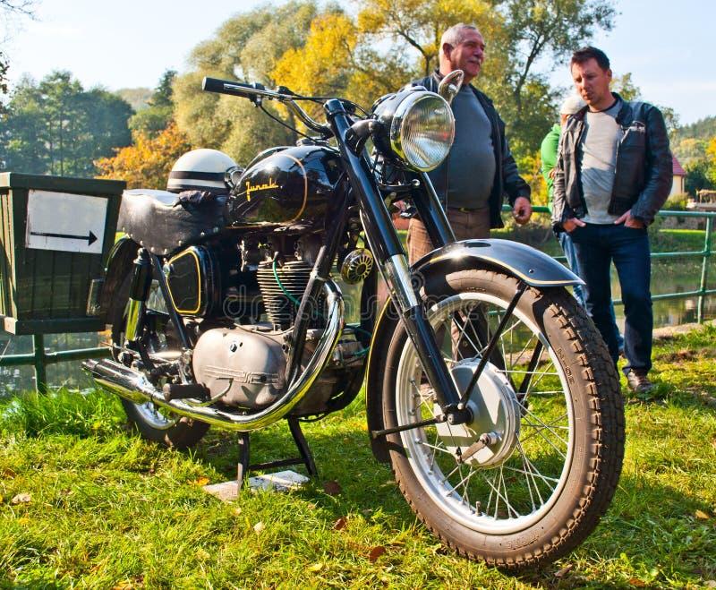 Position polonaise de plan rapproché de Junak de moto de classique images stock