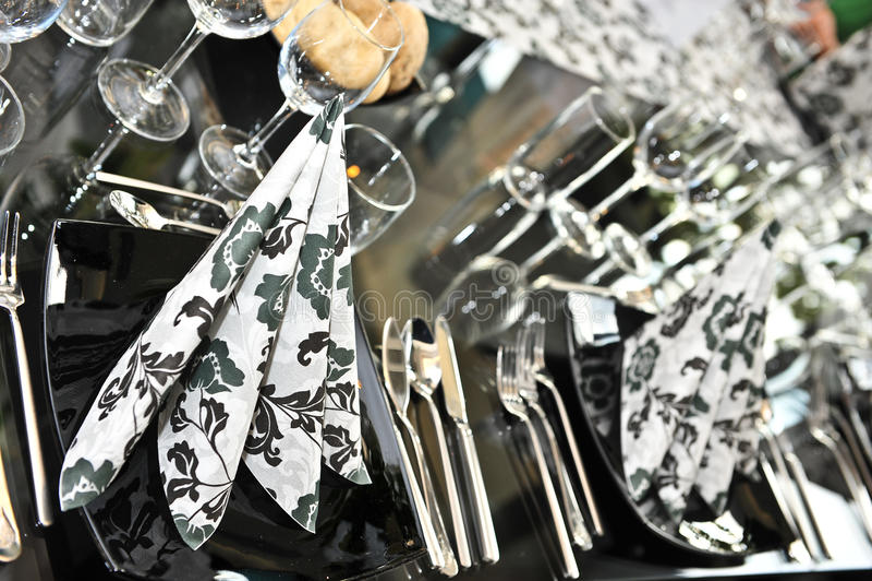 Positionnement de fantaisie de table de dîner de mariage photo stock