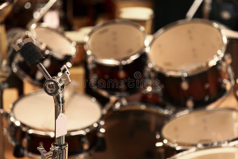 Positionnement et microphone de tambour photos stock