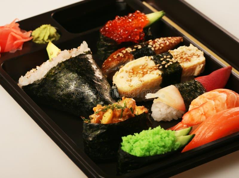 Positionnement traditionnel japonais de sushi photo stock