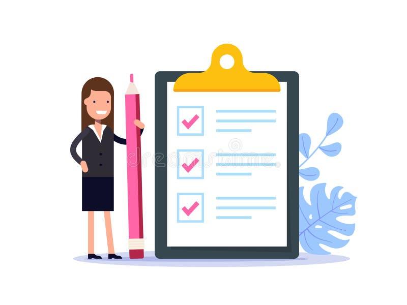 Positive Geschäftsfrau mit einem riesigen Bleistift in der Nähe markierte Checkliste auf einem Klemmbrettpapier Erfolgreiche Fert vektor abbildung