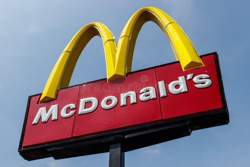 Posizione del ristorante del ` s di McDonald Mcdonald più non inciterà contro gli aumenti del salario minimo VI immagine stock libera da diritti