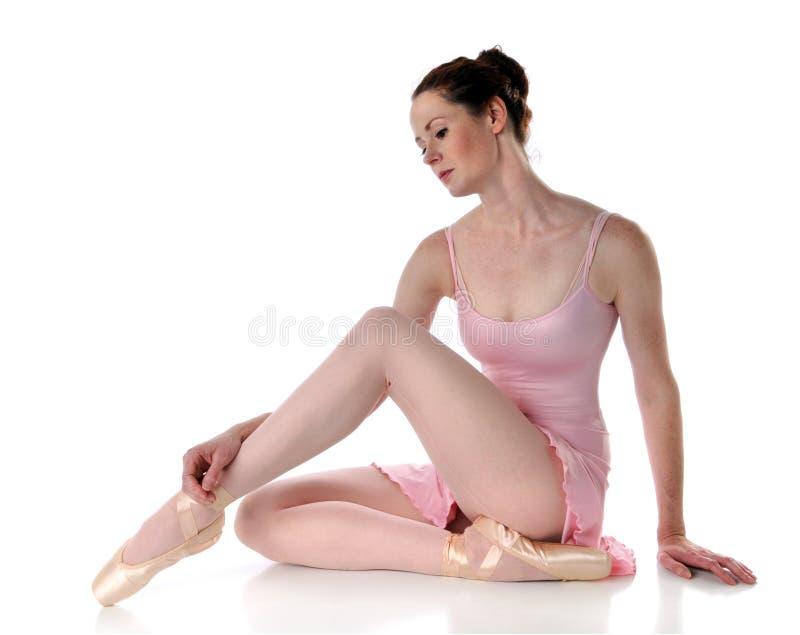 Posizione della ballerina fotografia stock