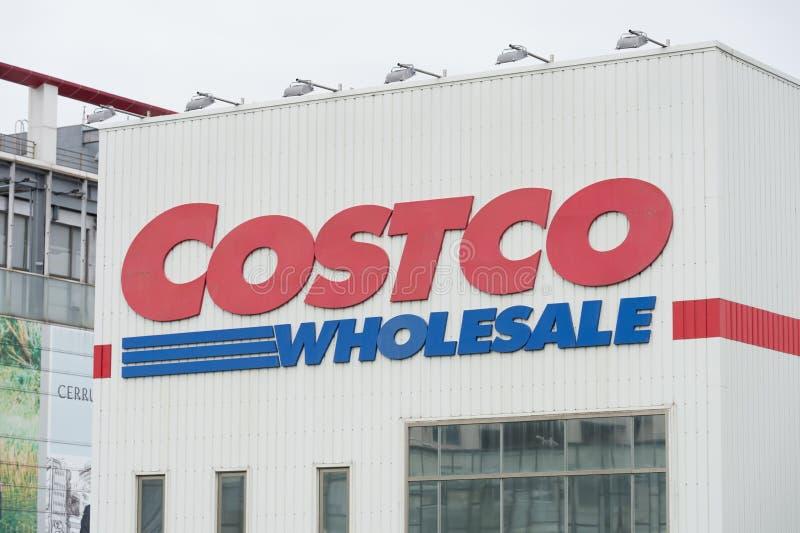 Posizione della vendita all'ingrosso di Costco La vendita all'ingrosso di Costco è un rivenditore globale del dollaro miliardario immagine stock libera da diritti