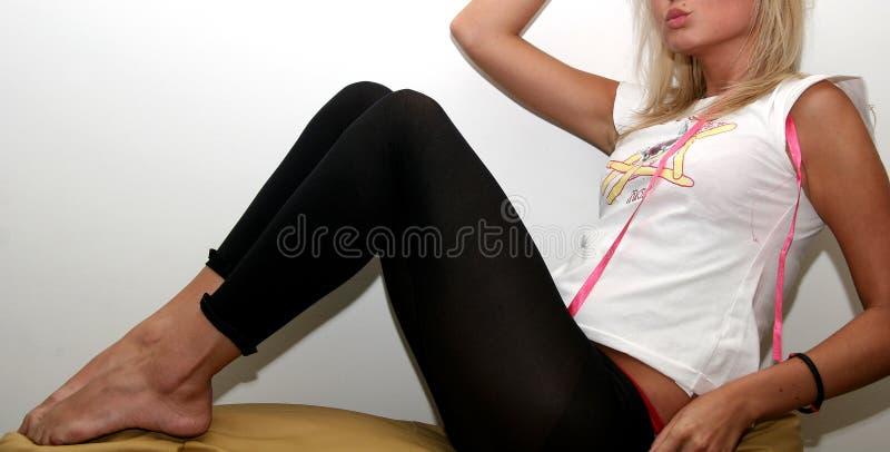 Posizione sexy del Blonde fotografia stock libera da diritti