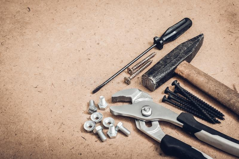 Pospolici narzędzia, młot, śrubokręt, wyrwanie, wyrwanie fotografia royalty free