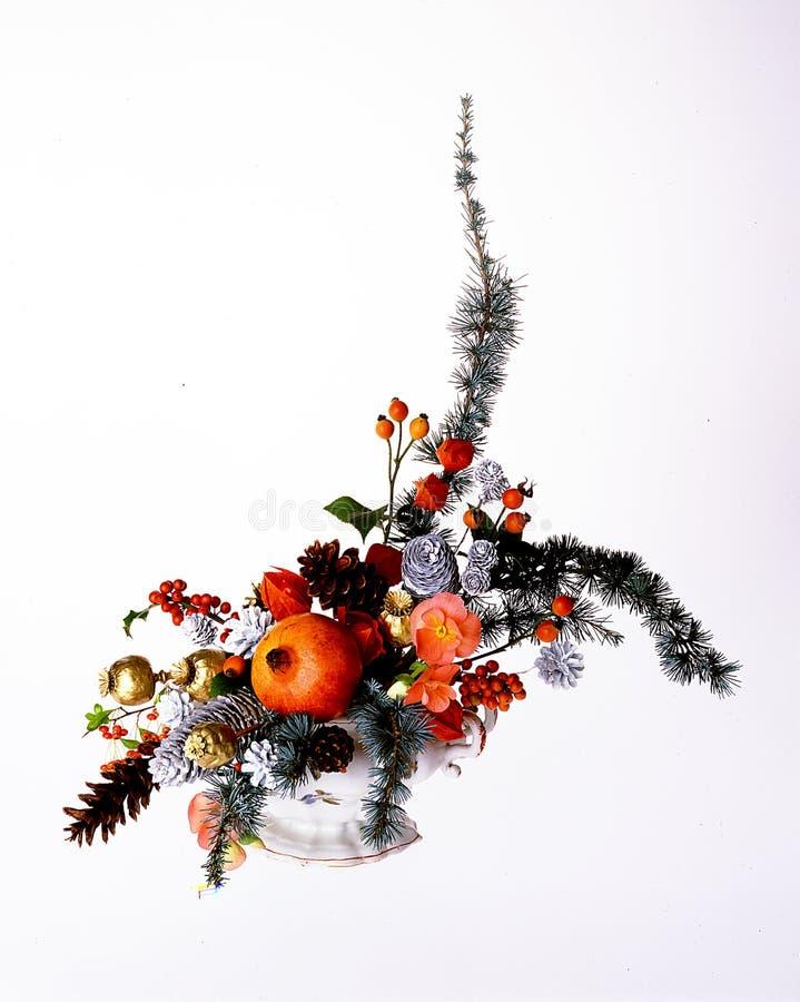 Posponga la composizione nei fiori fotografia stock