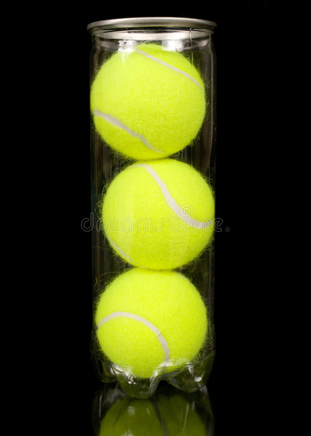 Possa de três esferas de tênis novas imagem de stock