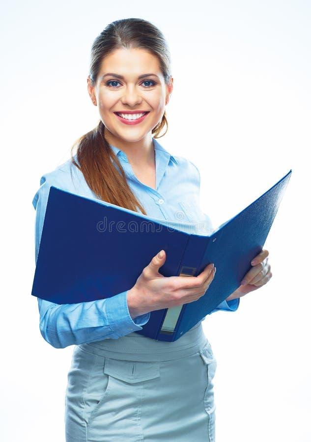 A posse de sorriso da mulher de negócio abre o dobrador do relatório imagens de stock royalty free