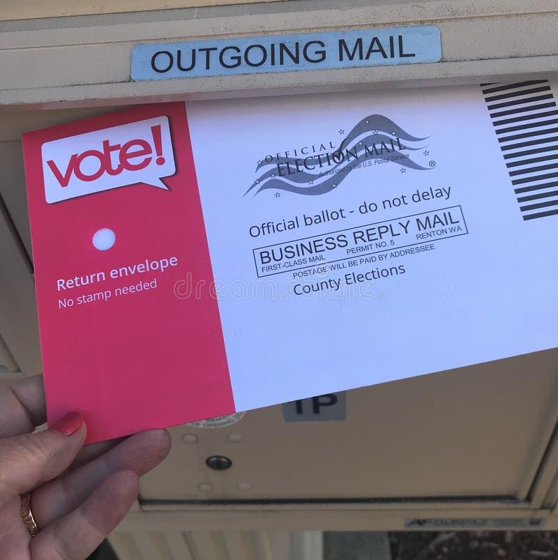 Post in Abstimmungsstimmzettel USA-Wahl stockfotos