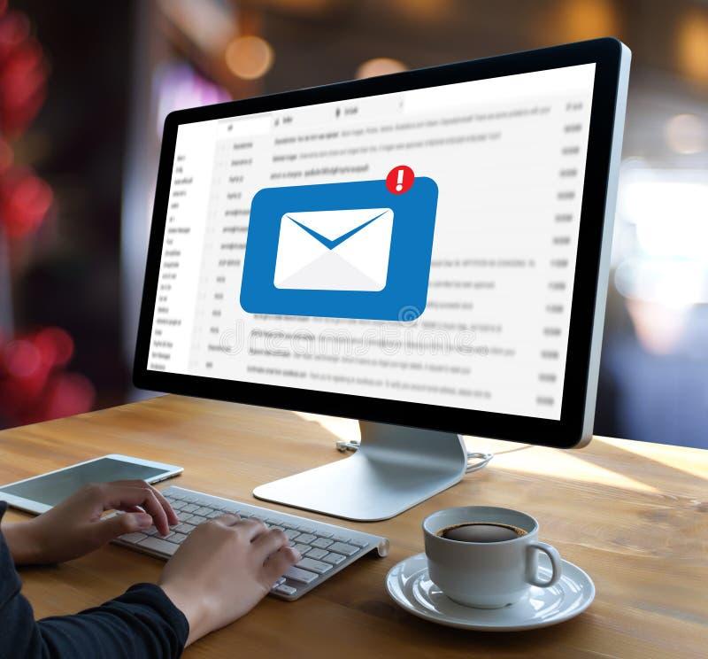 Download Post Communicatie Verbindingsbericht Aan De Post Van Contactentelefoon Stock Afbeelding - Afbeelding bestaande uit internet, ontwerp: 107707391