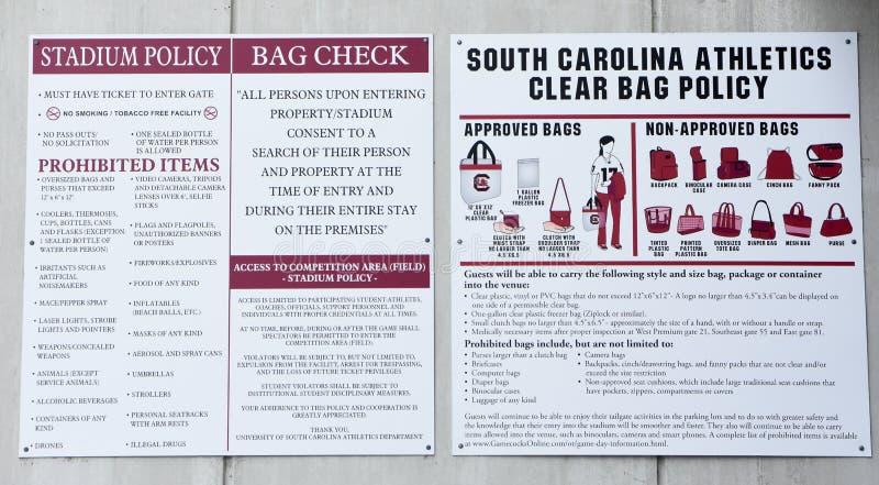 Postad regler och reglemente av Williams Brice Stadium, Columbia, SC royaltyfri fotografi