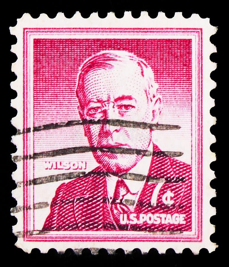 Postagstämpel tryckt i Förenta staterna visar Woodrow Wilson (1856-1924), 28:e president för EU S A , Liberty Issue serie, circa royaltyfria bilder