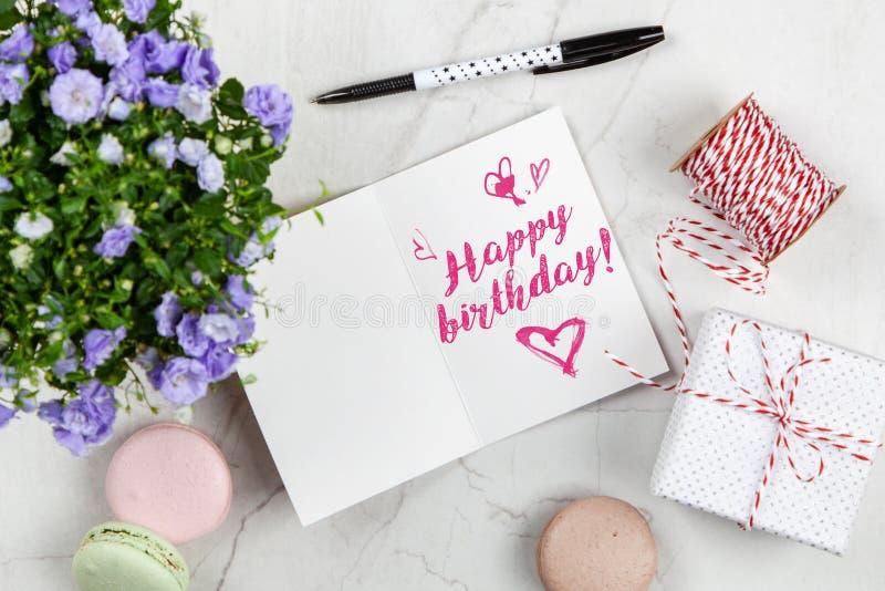 Postal del feliz cumpleaños fotos de archivo libres de regalías