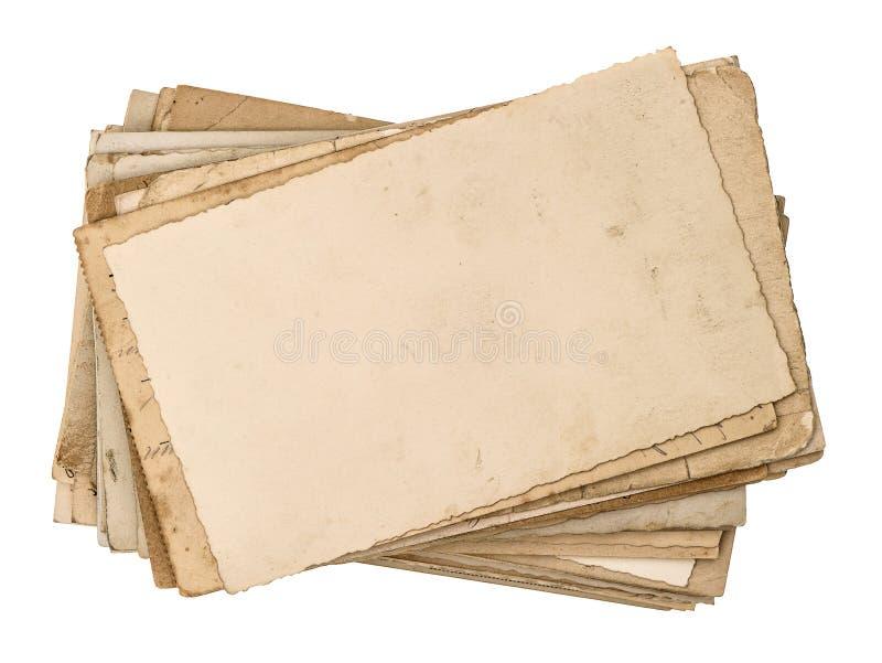 Postales viejas aisladas en blanco Textura de papel envejecida imagen de archivo libre de regalías