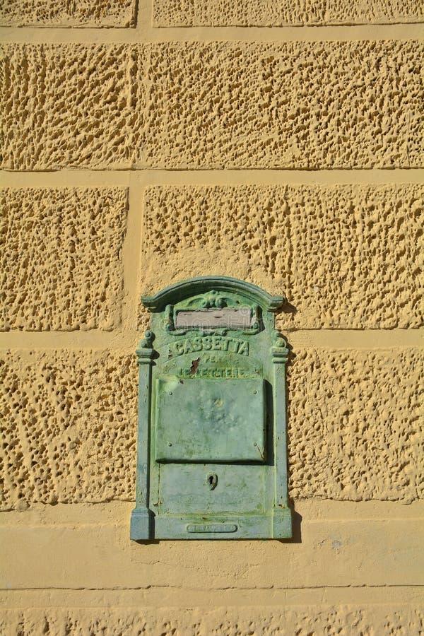 Postbox in Casso fotografie stock libere da diritti
