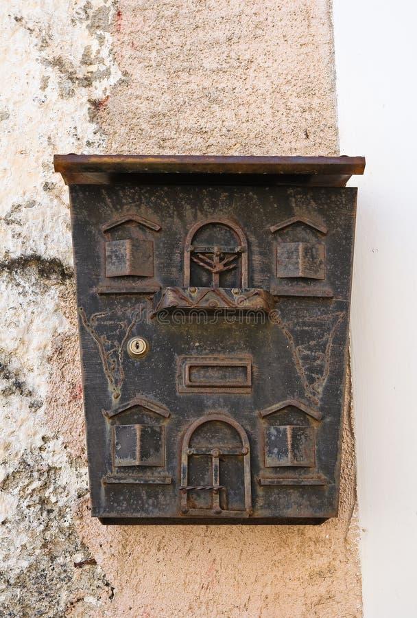 Download Postbox Satriano Di Lucania L'Italie Photo stock - Image du habitation, architectural: 45357394
