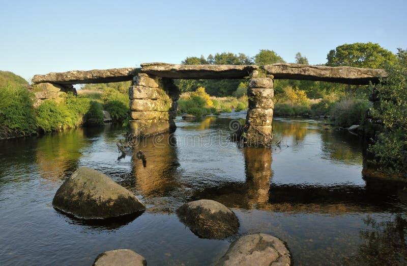 Postbridge-Scharnierventil-Brücke stockfoto