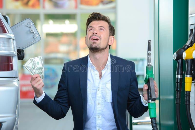 Poste d'essence d'essence photographie stock libre de droits
