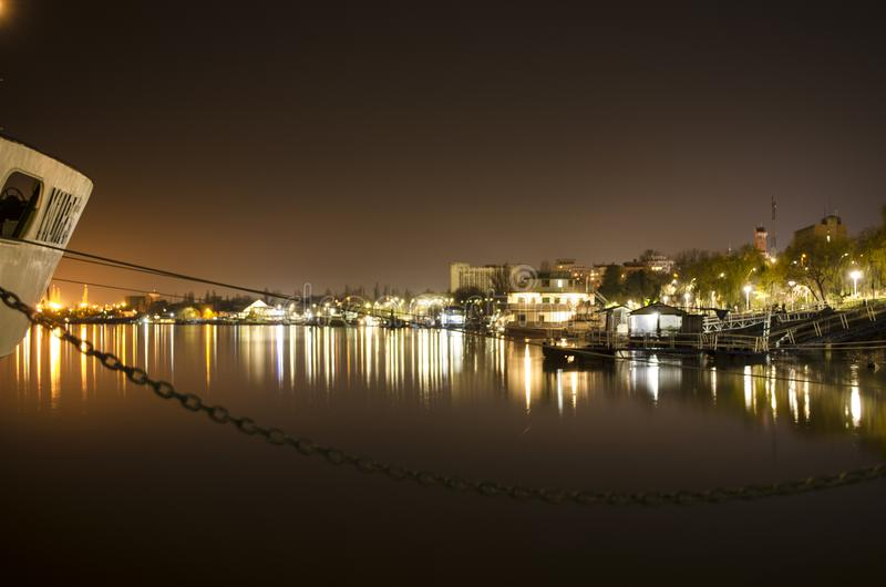 Poste de nuit sur le Danube photo stock