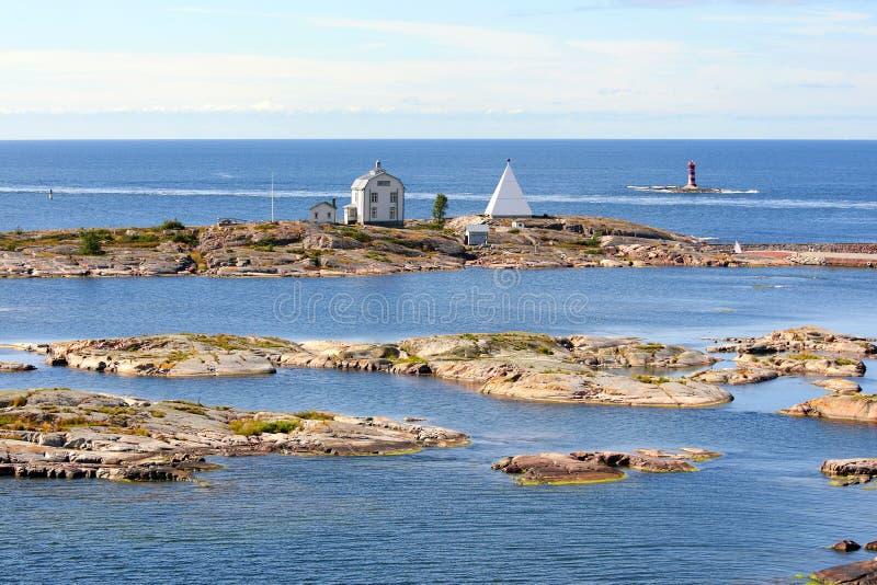 Poste de pilotage de Kobba Klintar dans l'archipel d'îles d'Aland image libre de droits