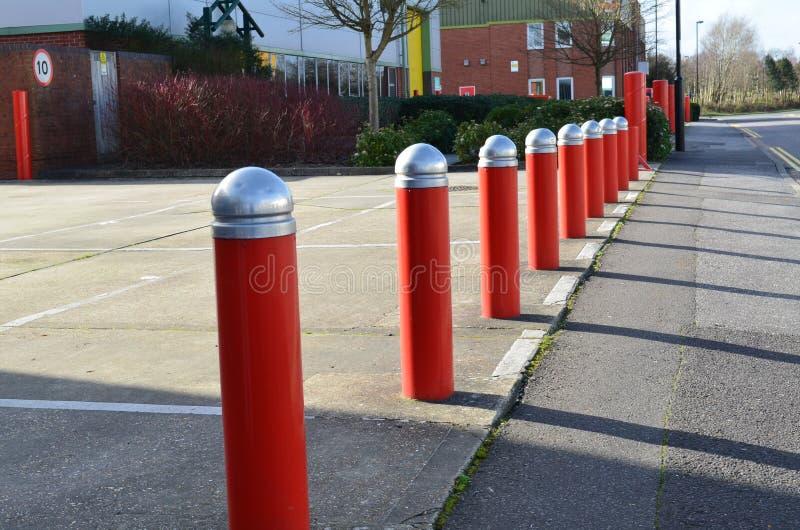 Postes de amarração do tráfego da segurança. foto de stock royalty free