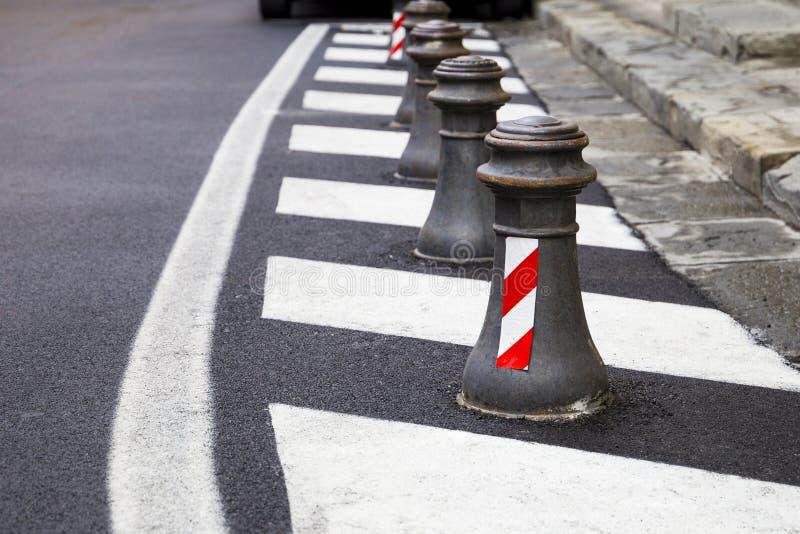 Postes de amarração do tráfego rodoviário fotos de stock