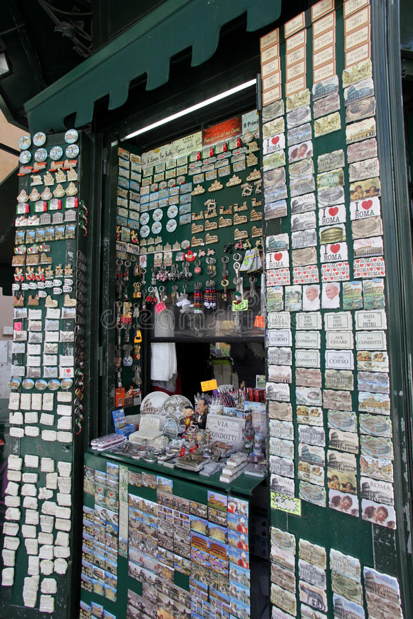 Postkartenstandplatz in Italien lizenzfreie stockbilder
