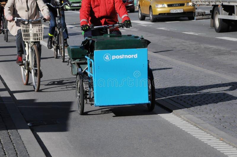 POSTNORD dostawy TRZY koła rower obrazy royalty free