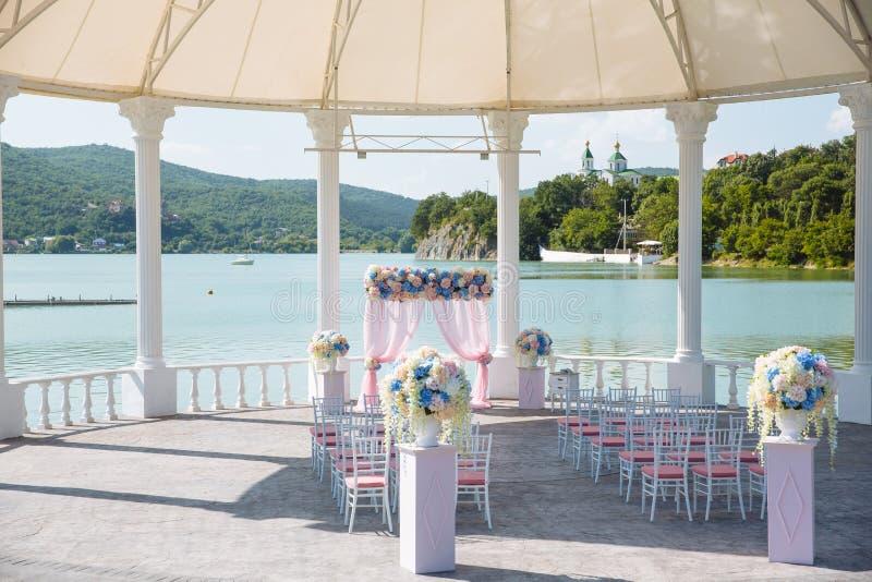 Posto all'aperto per cerimonia di nozze immagine stock
