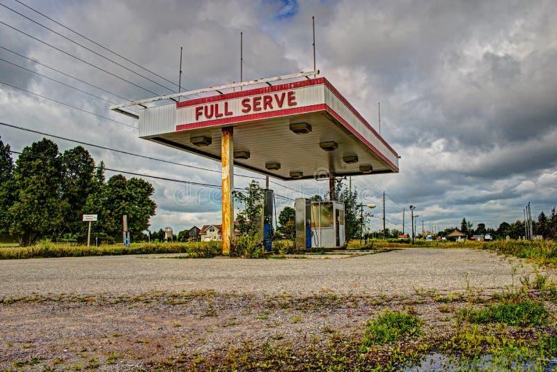 Posto de gasolina abandonado em Ontário, Canadá imagem de stock
