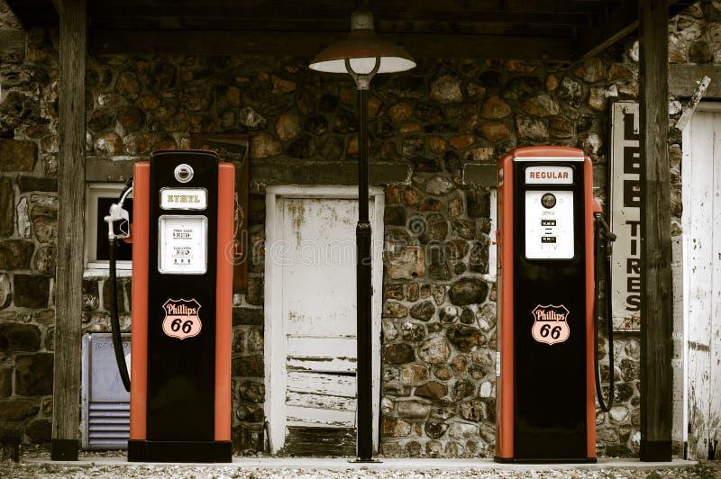 Posto de gasolina do vintage imagens de stock royalty free
