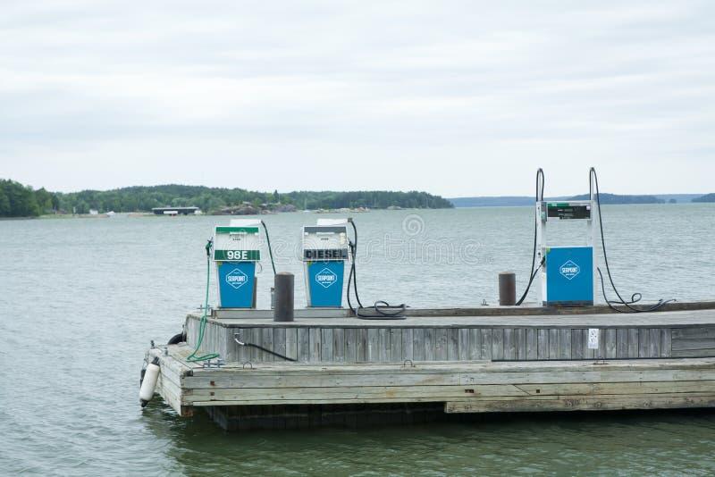 Posto de gasolina para barcos imagem de stock