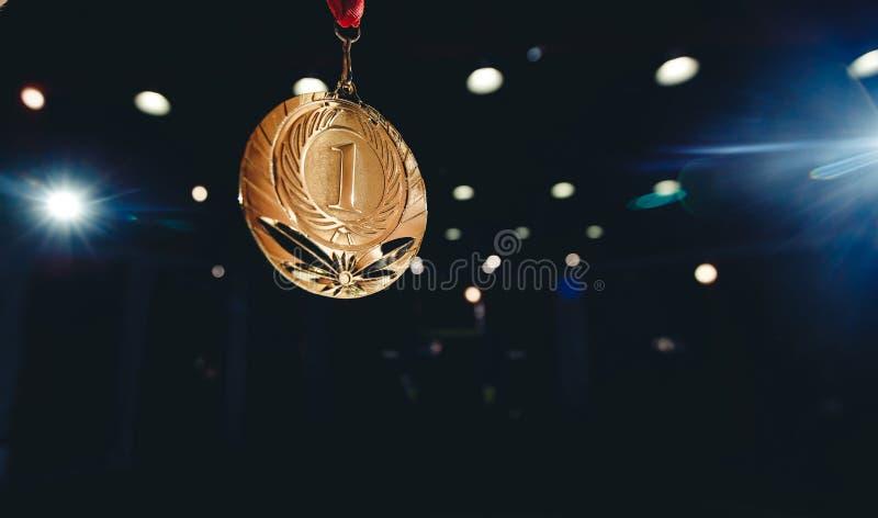 Posto della medaglia d'oro del vincitore di sport primo fotografia stock