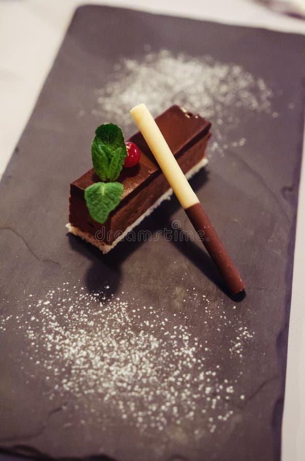 Postre del mousse de chocolate de Amaretto imagenes de archivo