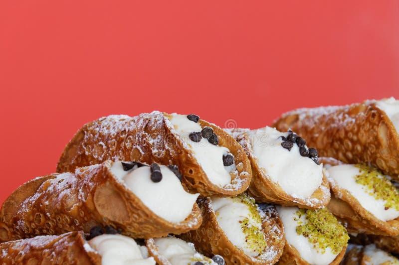 Postre dulce Cannoli de la hornada culinaria italiana siciliano imágenes de archivo libres de regalías