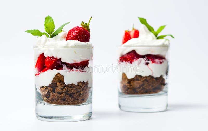 Postre helado de la fresa para un desayuno sano imágenes de archivo libres de regalías