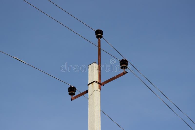 Posts de alto voltaje imagen de archivo