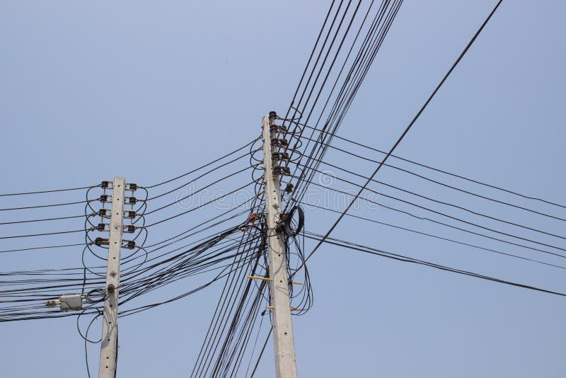 Download Posts De Alto Voltaje De La Electricidad Imagen de archivo - Imagen de poste, azul: 42432059