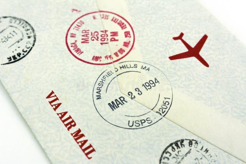 Poststempel des Buchstaben auf dem Umschlag Buchstabe hinter der US-Post stockfoto