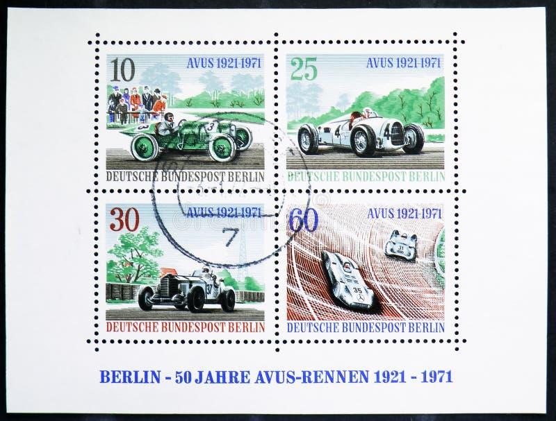 Poststempel, gedrukt in Duitsland, Berlijn, is afgebeeld als miniatuurblad van AVUS Motor Racing Track serie, circa 1971 royalty-vrije stock foto's
