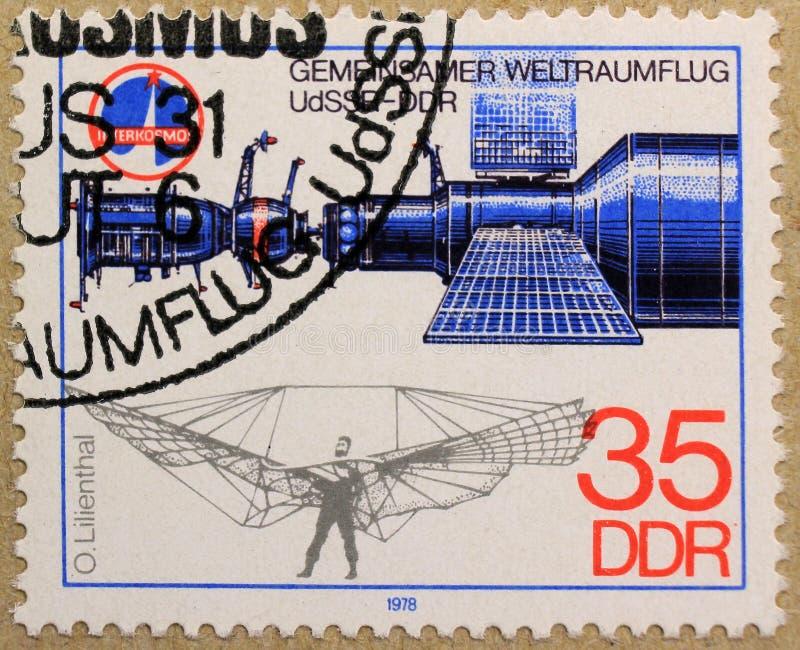 Poststempel von DDR stellt allgemeinen Raumflug dar lizenzfreies stockbild