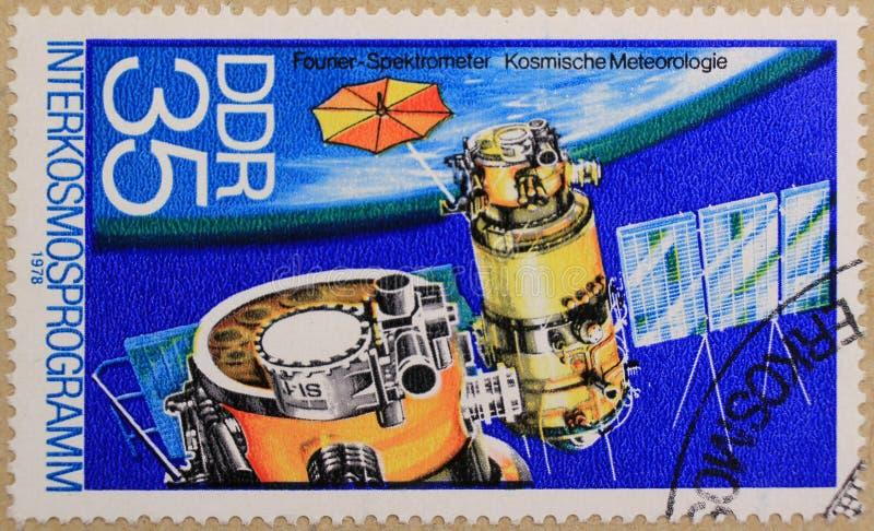 Poststempel von DDR stellt Koppelung der Raumschiffe dar lizenzfreie stockfotografie
