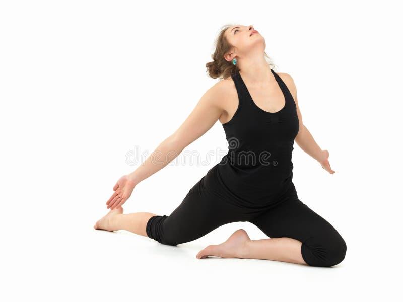 Postura avanzada de la práctica de la yoga fotos de archivo libres de regalías