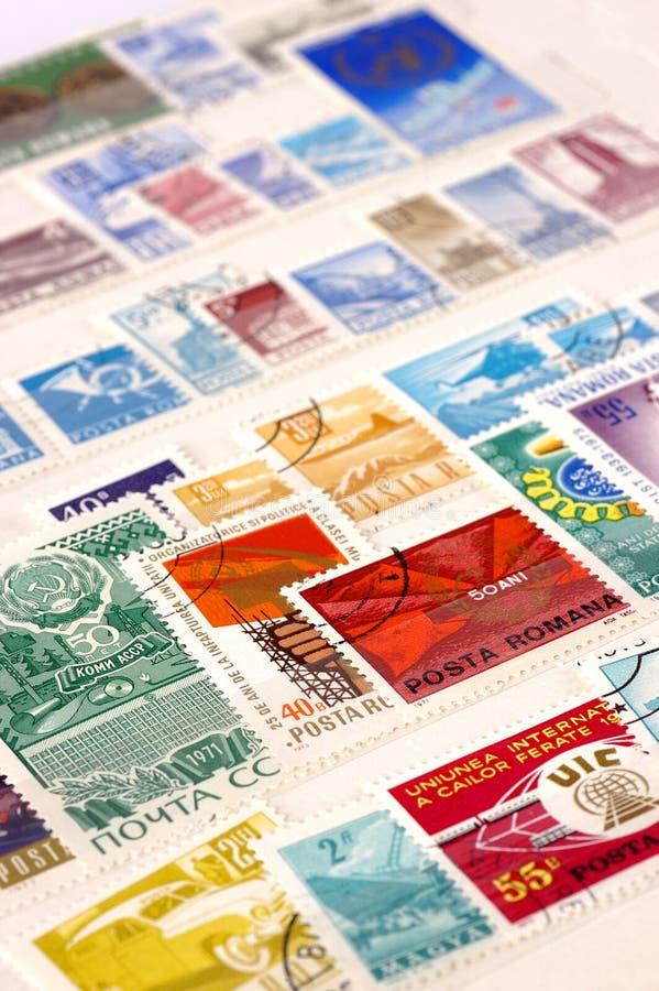 Postzegels met selectieve nadruk stock foto's