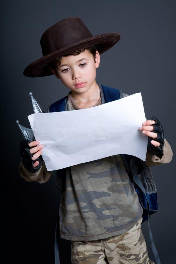 poszukiwacz przygód chłopiec był udaje fotografia royalty free