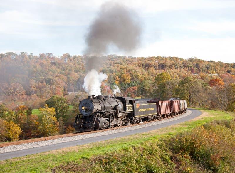 Potências do trem do vapor de WM ao longo da estrada de ferro imagens de stock