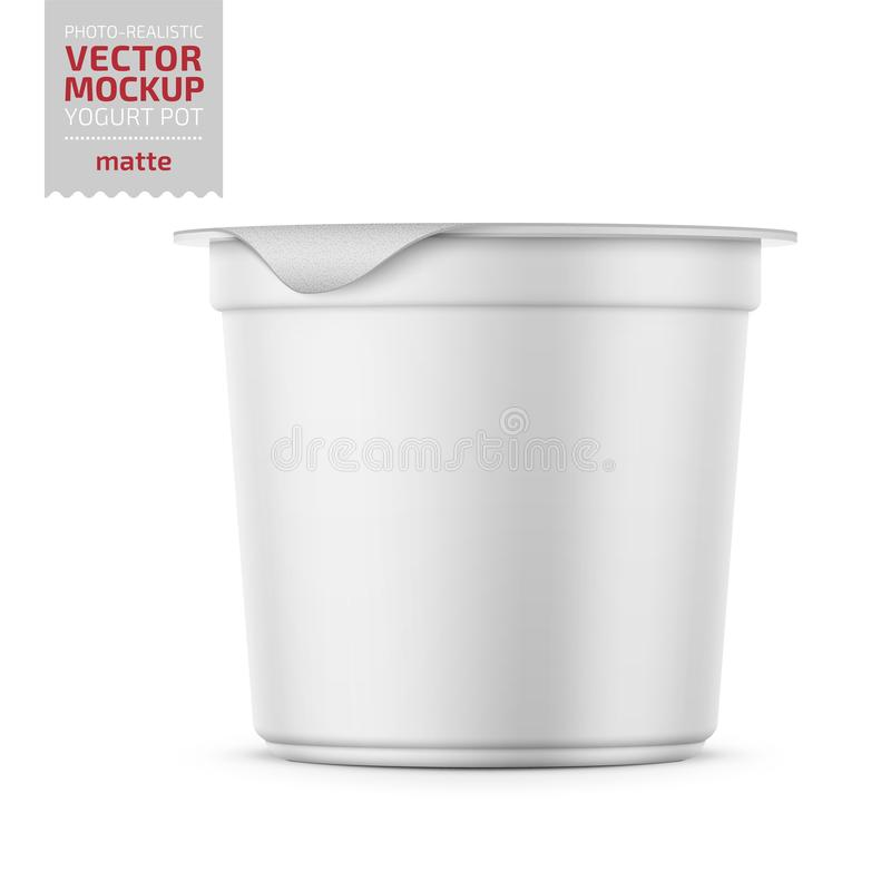 Pot blanc de yaourt avec la maquette de couverture d'aluminium illustration libre de droits